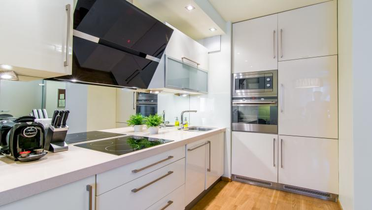 Kitchen at Atelier Residence - Citybase Apartments