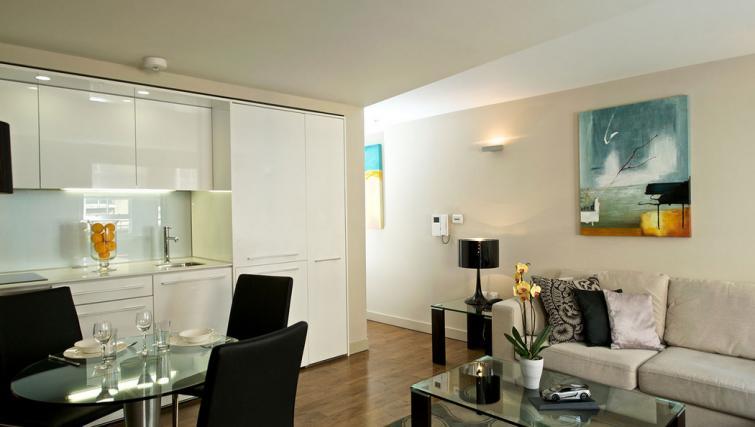 Living room at Fraser Residence Bishopsgate - Citybase Apartments