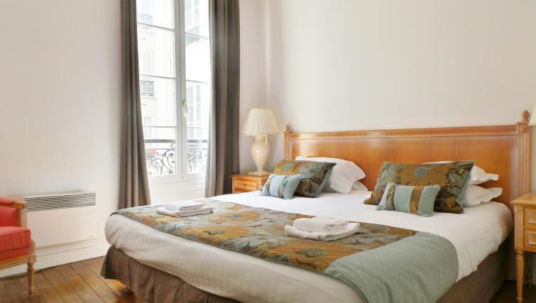 Bedroom at Apartments Du Marais - Citybase Apartments