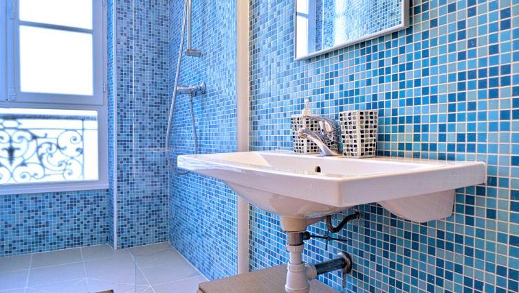 Sink at Apartments Du Marais - Citybase Apartments