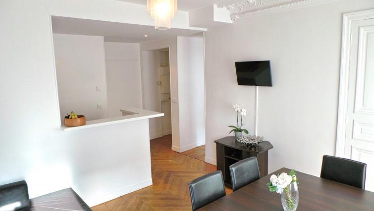 Dining area/ kitchen at Apartments Du Marais - Citybase Apartments