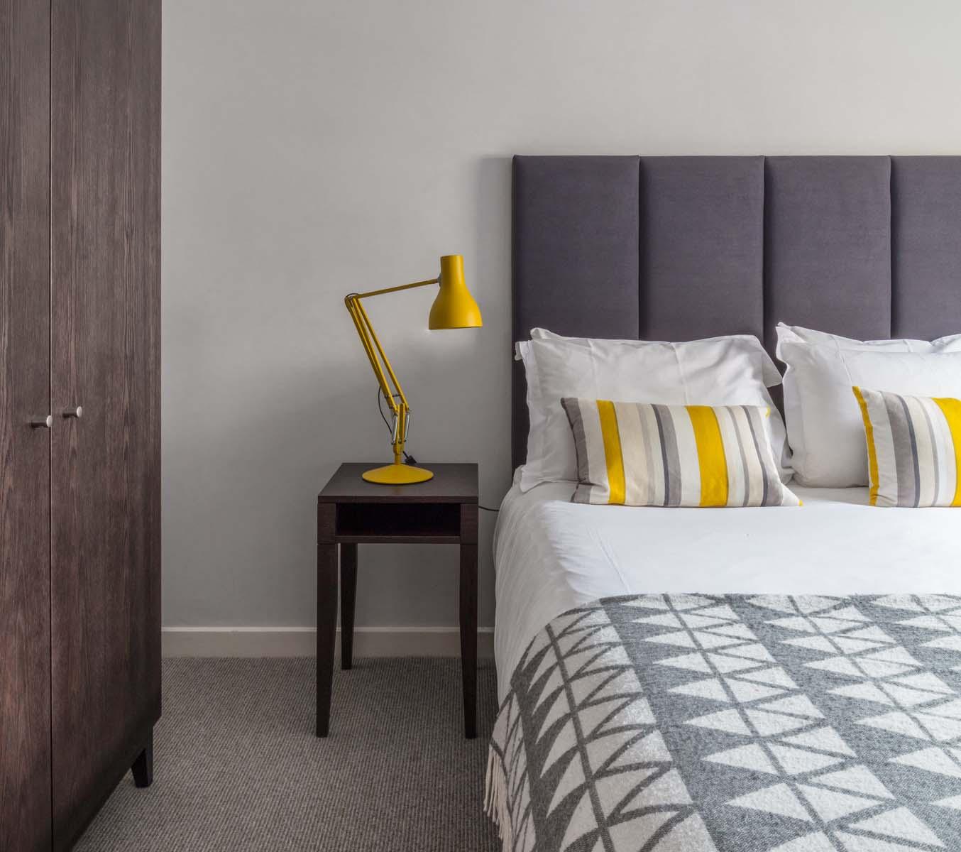 Stylish bedroom at Saco Bath – St James's Parade - Citybase Apartments