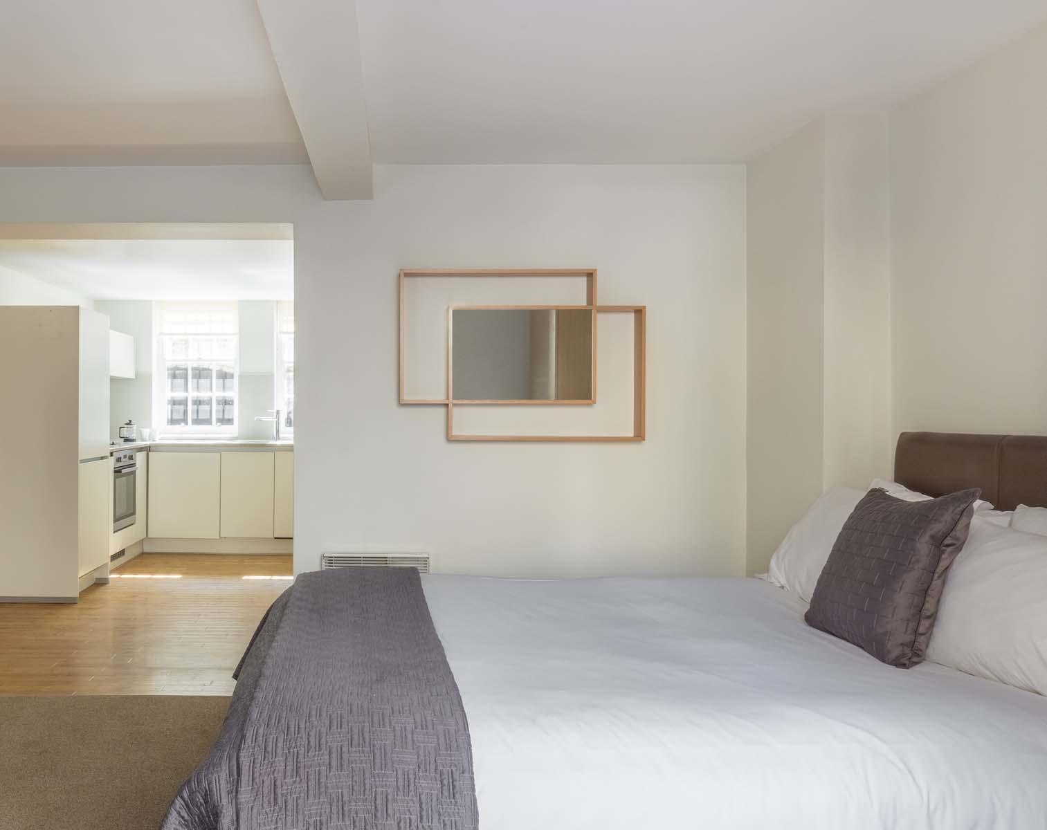 Cosy bedroom at Saco Bath – St James's Parade - Citybase Apartments