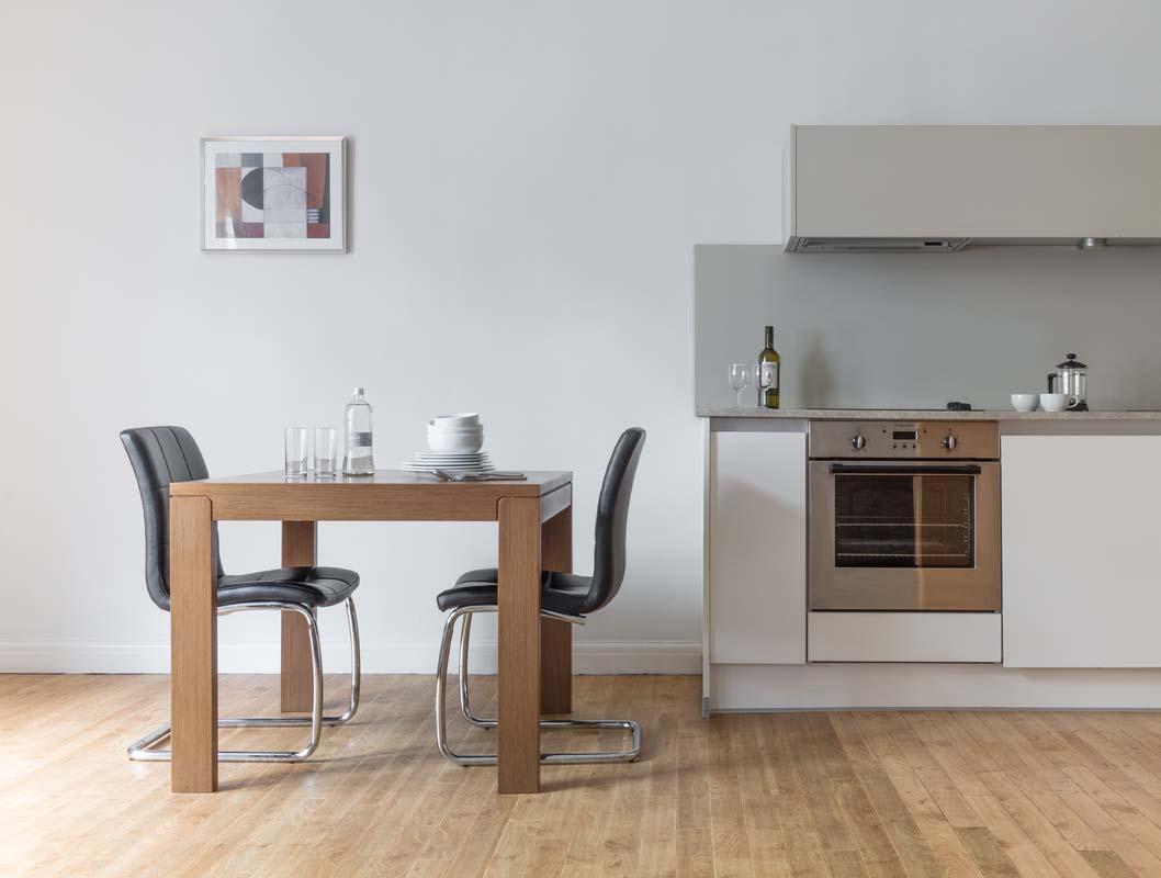 Kitchen diner at Saco Bath – St James's Parade - Citybase Apartments