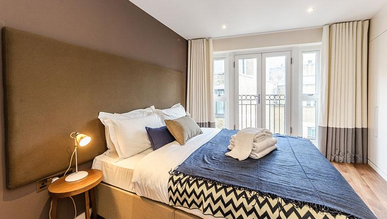 Double bed at Native Hoxton Apartments - Citybase Apartments