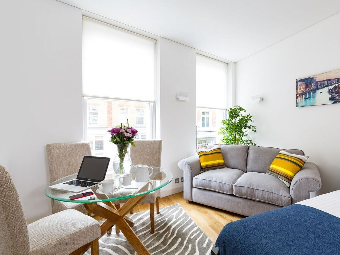 Bright living area at Holborn by Q Apartments - Citybase Apartments