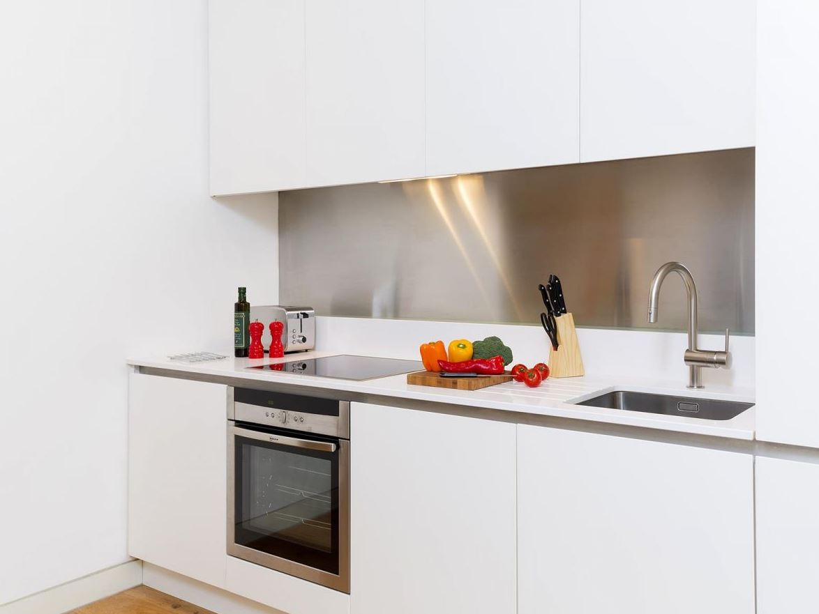 Modern kitchen at Holborn by Q Apartments - Citybase Apartments