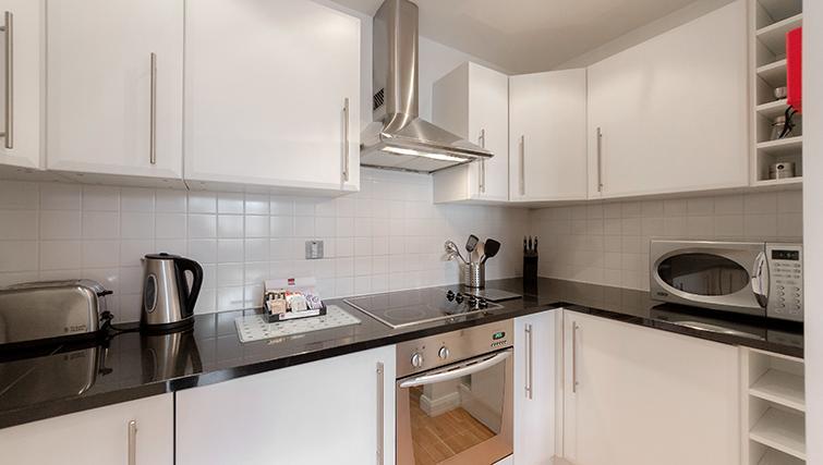 Kitchen at Groveland Court Apartments - Citybase Apartments