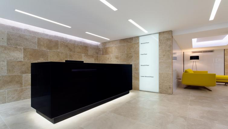 Lobby area at Fetter Lane by Q Apartments - Citybase Apartments