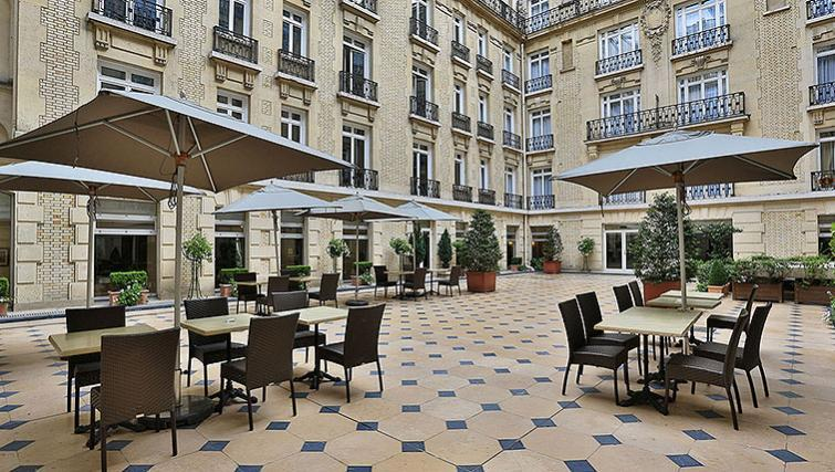 Gorgeous communal terrace at Fraser Suites Le Claridge Champs-Elysees - Citybase Apartments
