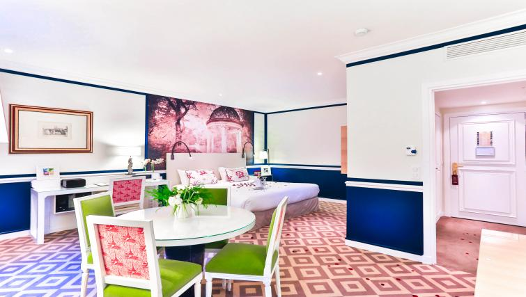 Studio at Fraser Suites Le Claridge Champs-Elysees - Citybase Apartments
