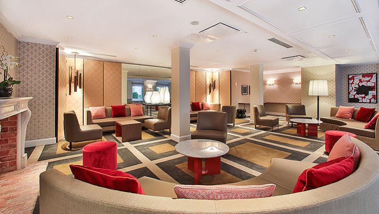 Extended communal area at Fraser Suites Le Claridge Champs-Elysees - Citybase Apartments
