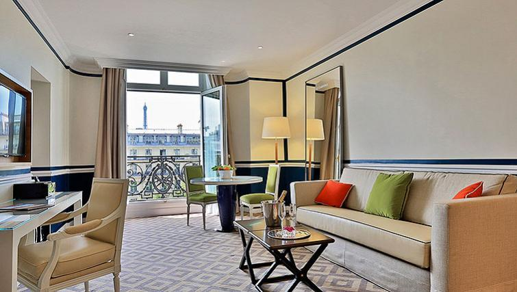 Stylish living area at Fraser Suites Le Claridge Champs-Elysees - Citybase Apartments