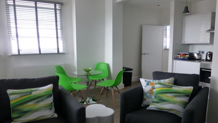 Dining area at the Clarendon 94 Shaftesbury Avenue - Citybase Apartments