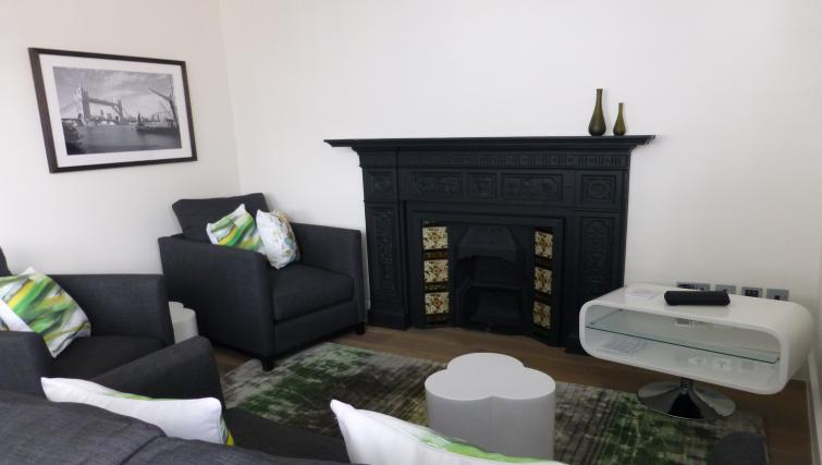 Lounge at the Clarendon 94 Shaftesbury Avenue - Citybase Apartments