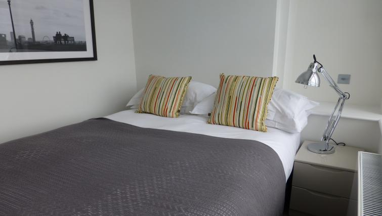Bedroom at the Clarendon 94 Shaftesbury Avenue - Citybase Apartments