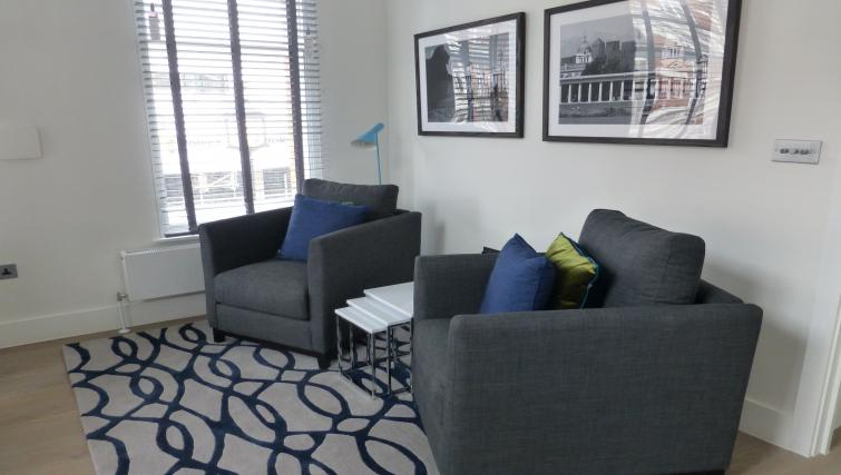 Living room at the Clarendon 94 Shaftesbury Avenue - Citybase Apartments