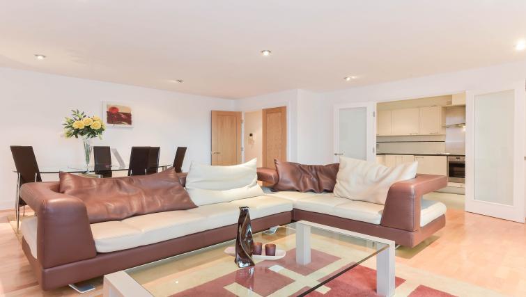 Living area at Still Life Vauxhall - Citybase Apartments