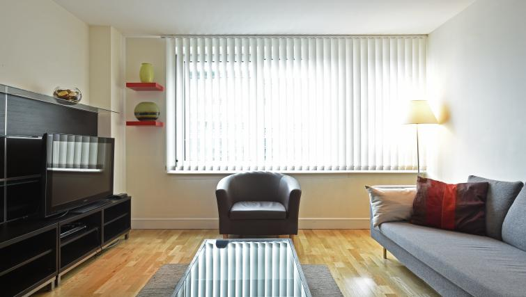 Naturally lighted living area at Still Life Vauxhall - Citybase Apartments