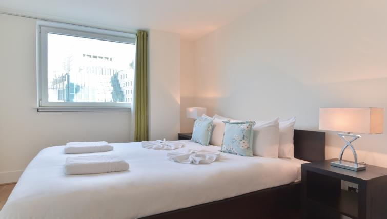 Bright and airy bedroom at Still Life Vauxhall - Citybase Apartments