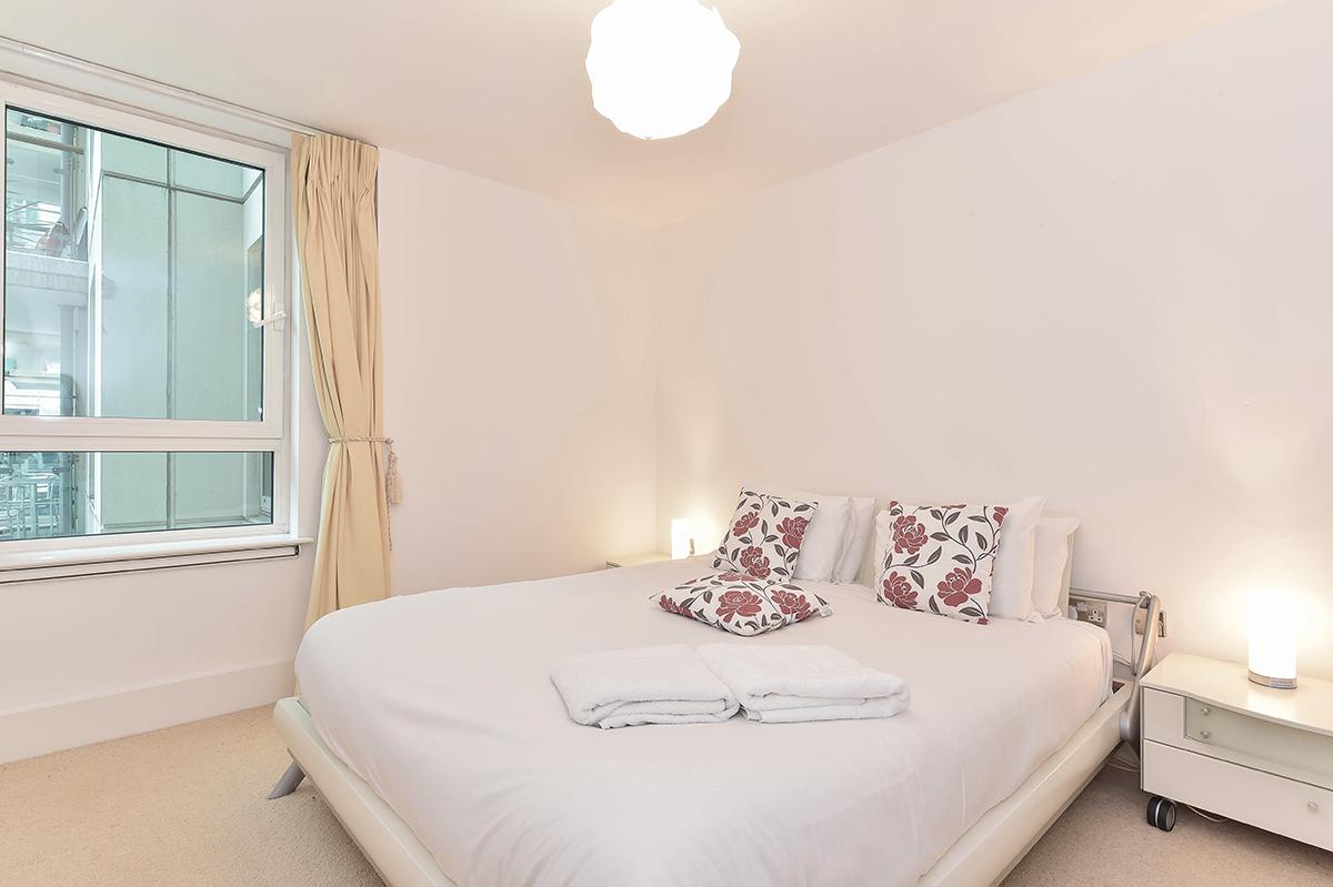 Bright bedroom at Still Life Vauxhall - Citybase Apartments