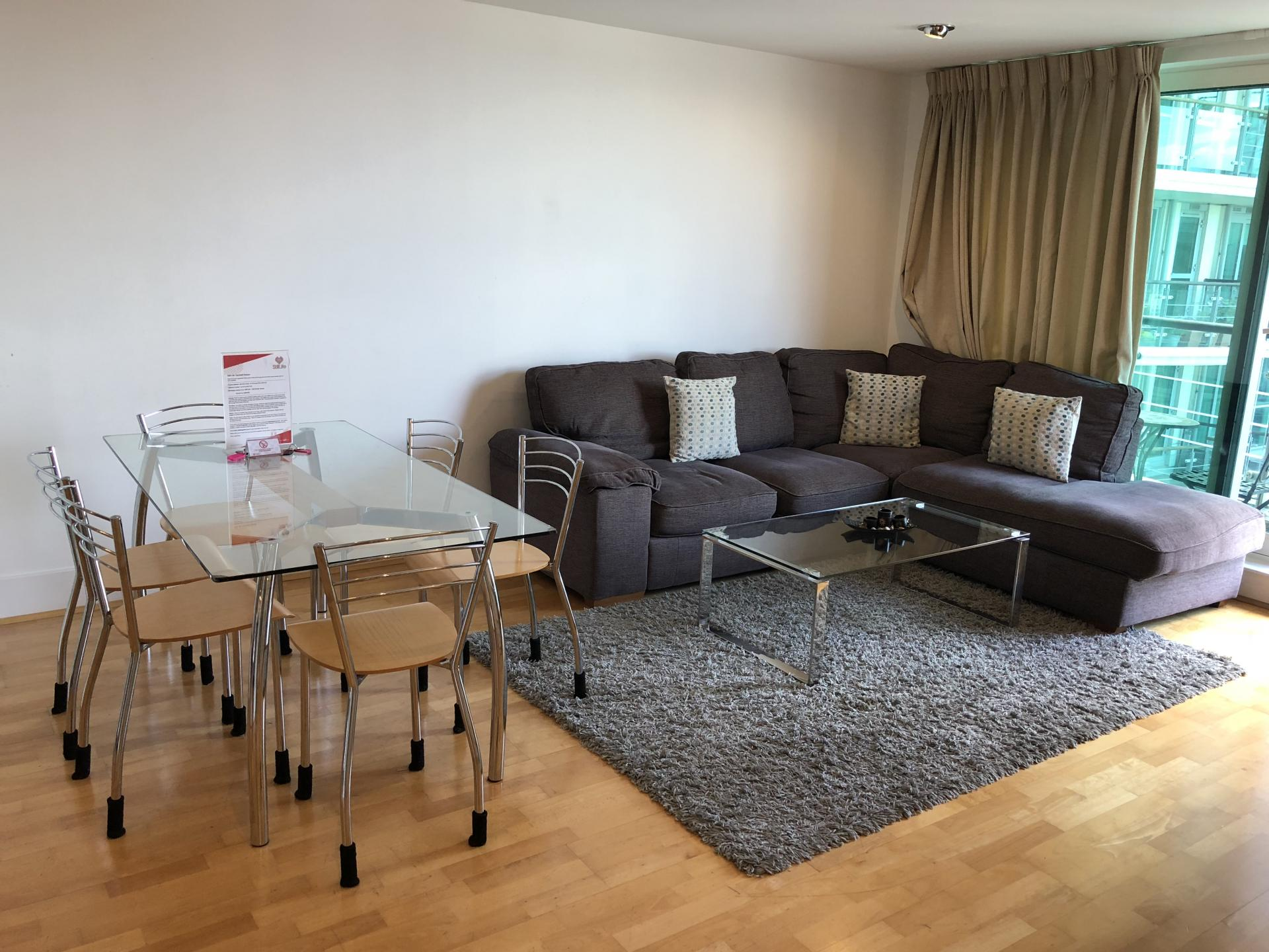 Dining table at Still Life Vauxhall - Citybase Apartments