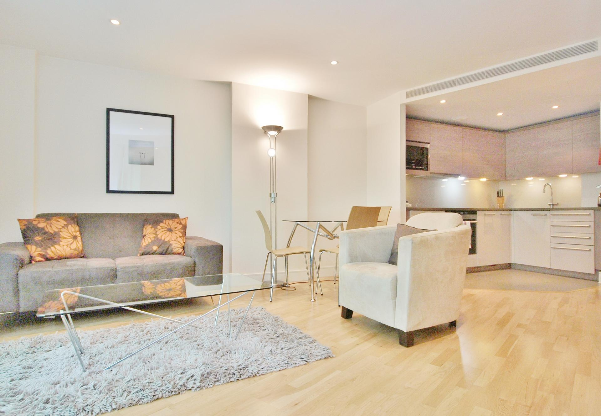 Bright living area at Still Life Vauxhall - Citybase Apartments