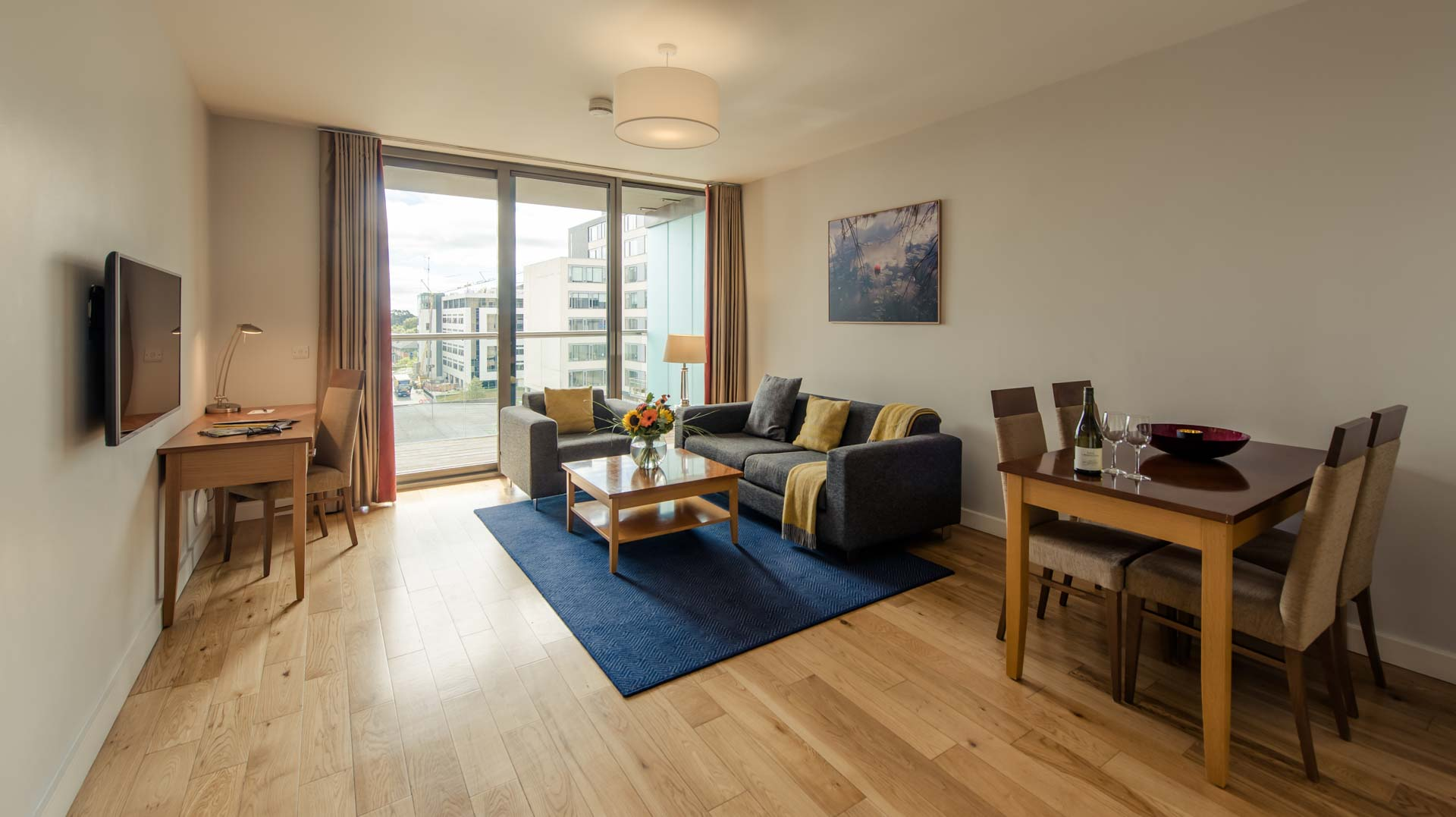 Living room at Premier Suites Dublin Sandyford, Sandyford, Dublin - Citybase Apartments