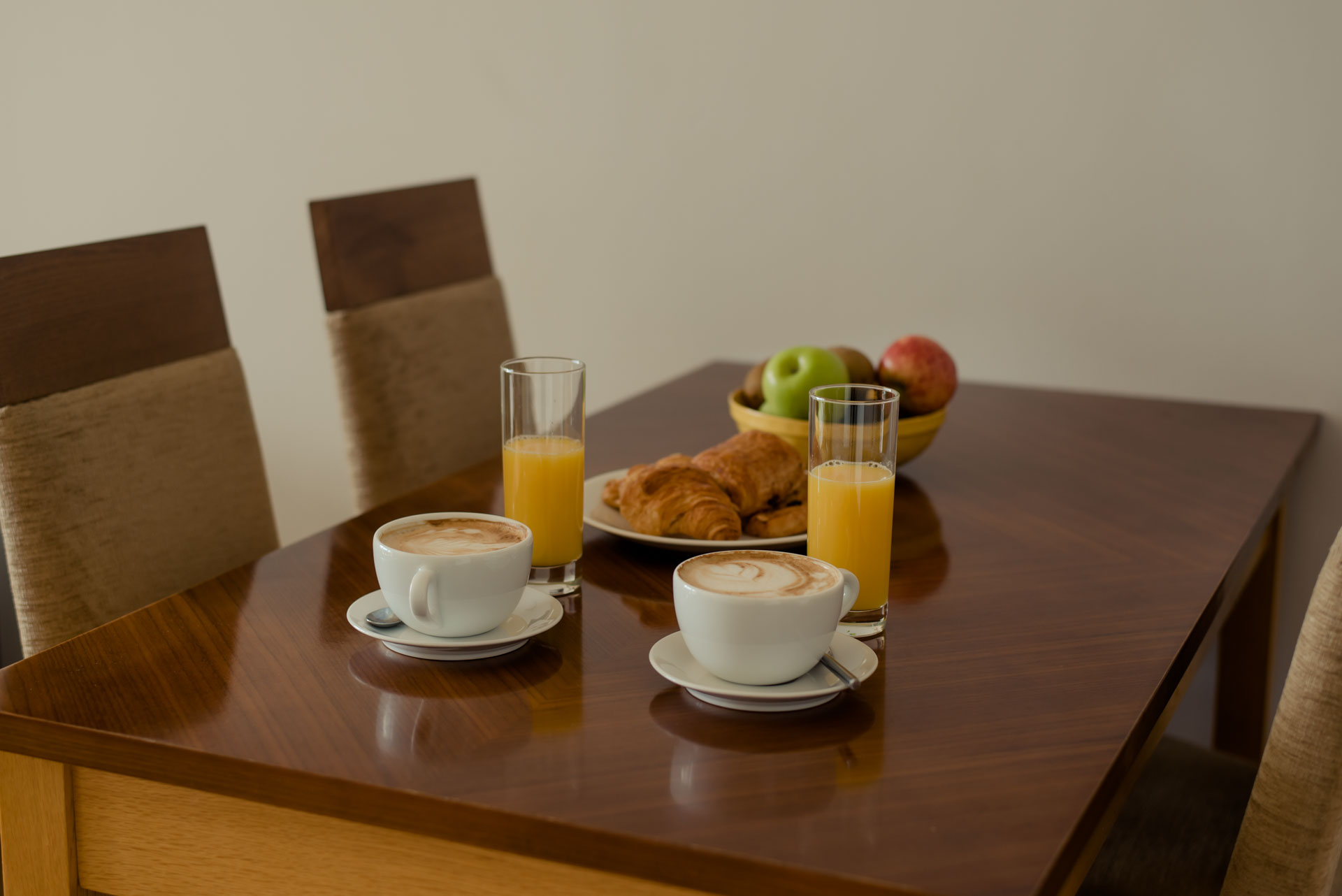 Dining table at Premier Suites Dublin Sandyford, Sandyford, Dublin - Citybase Apartments