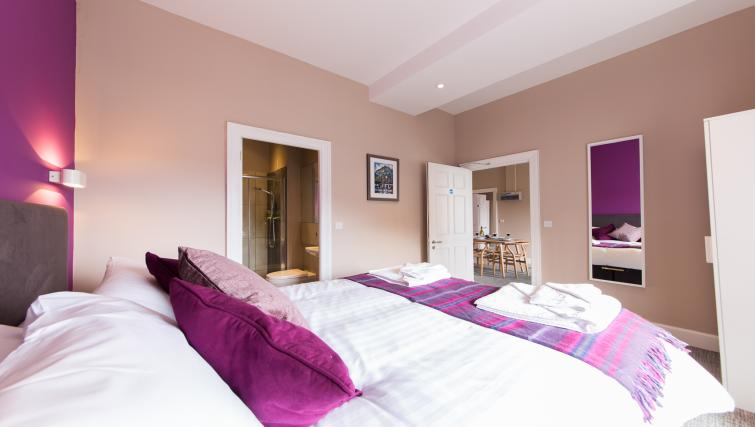 Double bedroom at The Spires Edinburgh - Citybase Apartments