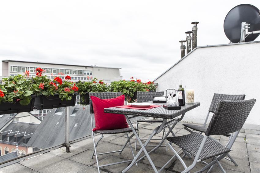 Outdoors at Villa Marilyn Apartments - Citybase Apartments
