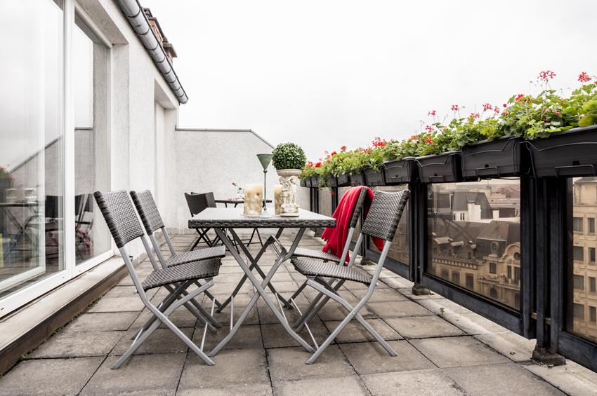 Terrace at Villa Marilyn Apartments - Citybase Apartments