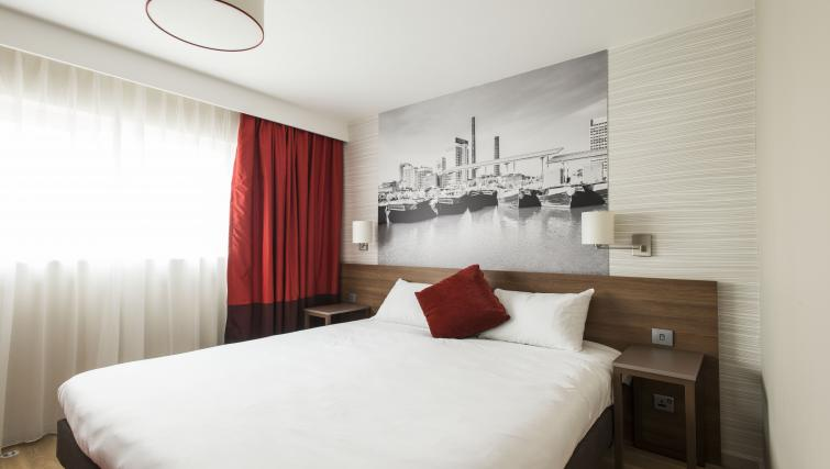 Bedroom at Adagio Birmingham City Centre - Citybase Apartments