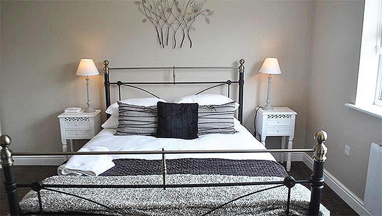 Double bedroom at Lord Raglan House - Citybase Apartments