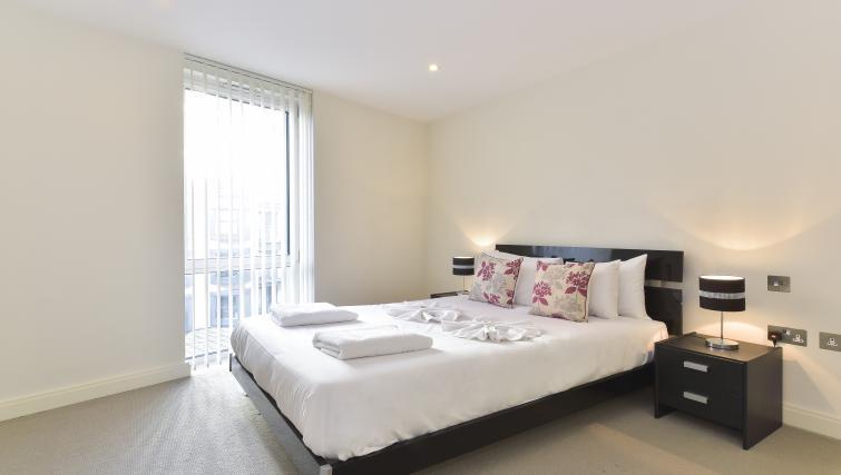 Bedroom at Still Life Barbican - Citybase Apartments