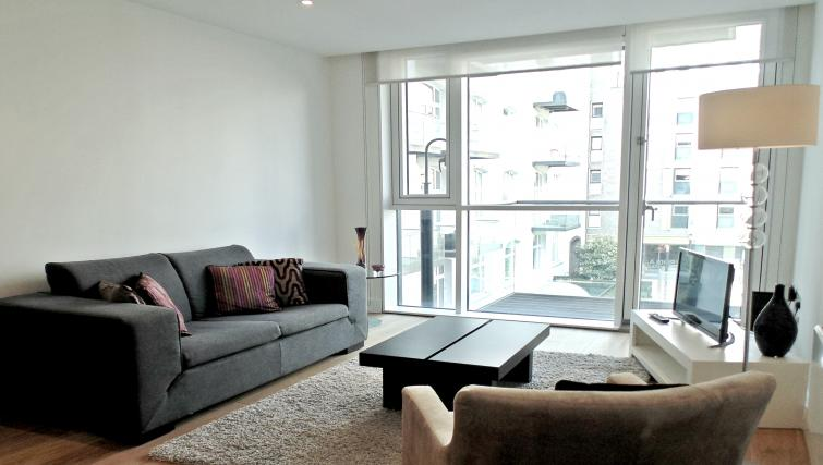 Living room at Still Life Tower Hill Deluxe - Citybase Apartments