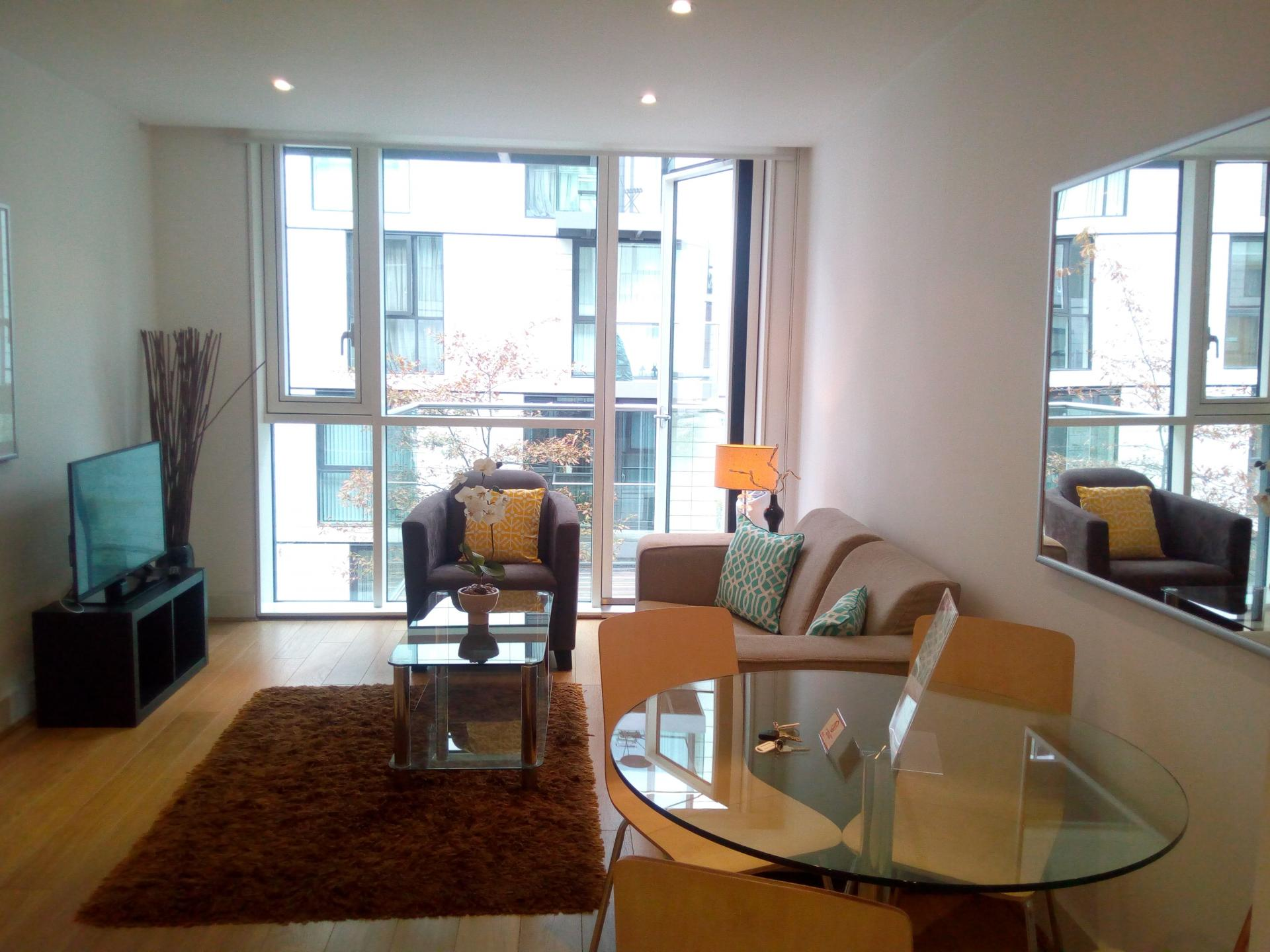 Living space at Still Life Tower Hill Deluxe - Citybase Apartments