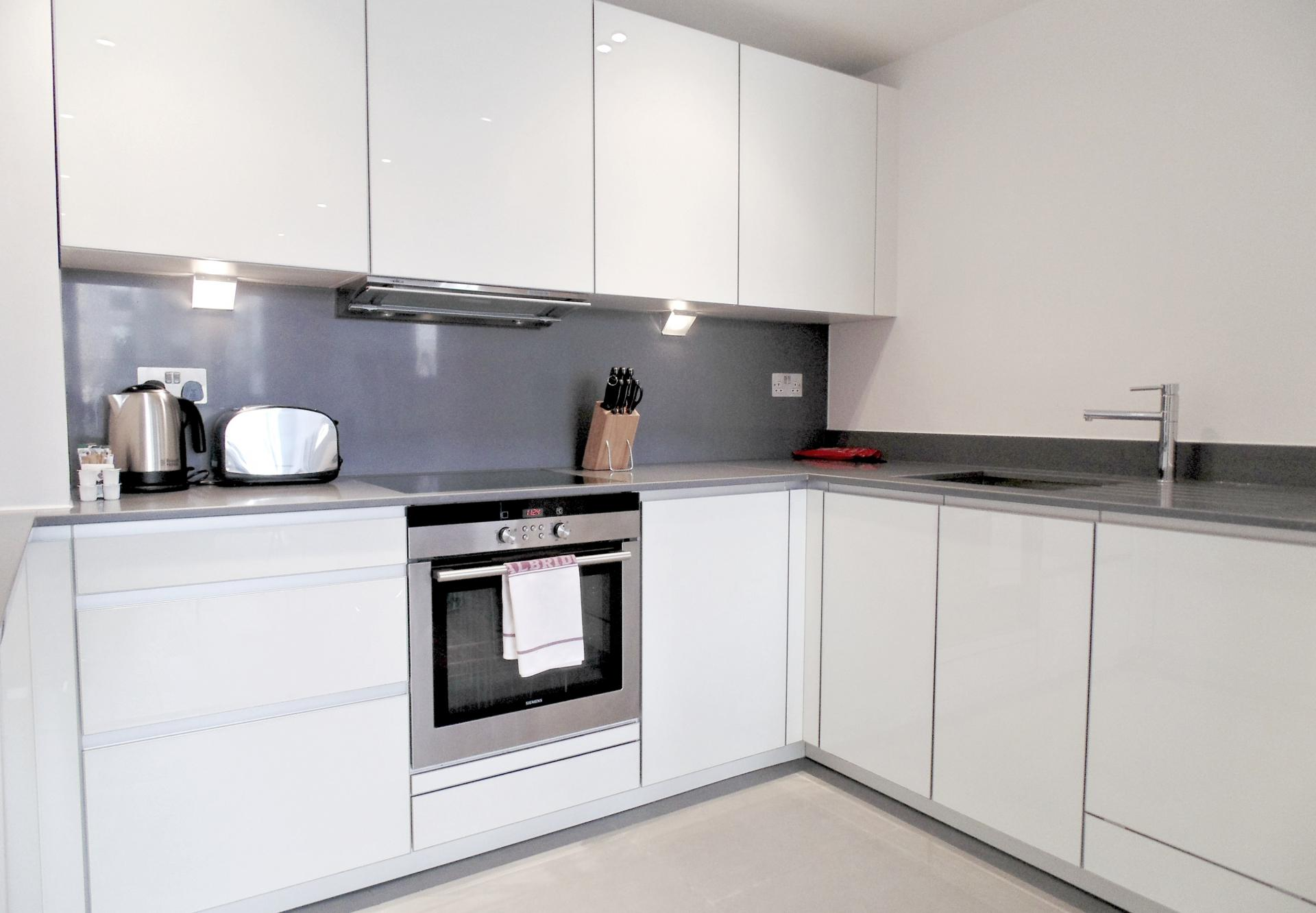 Oven at Still Life Tower Hill Deluxe, Whitechapel, London - Citybase Apartments