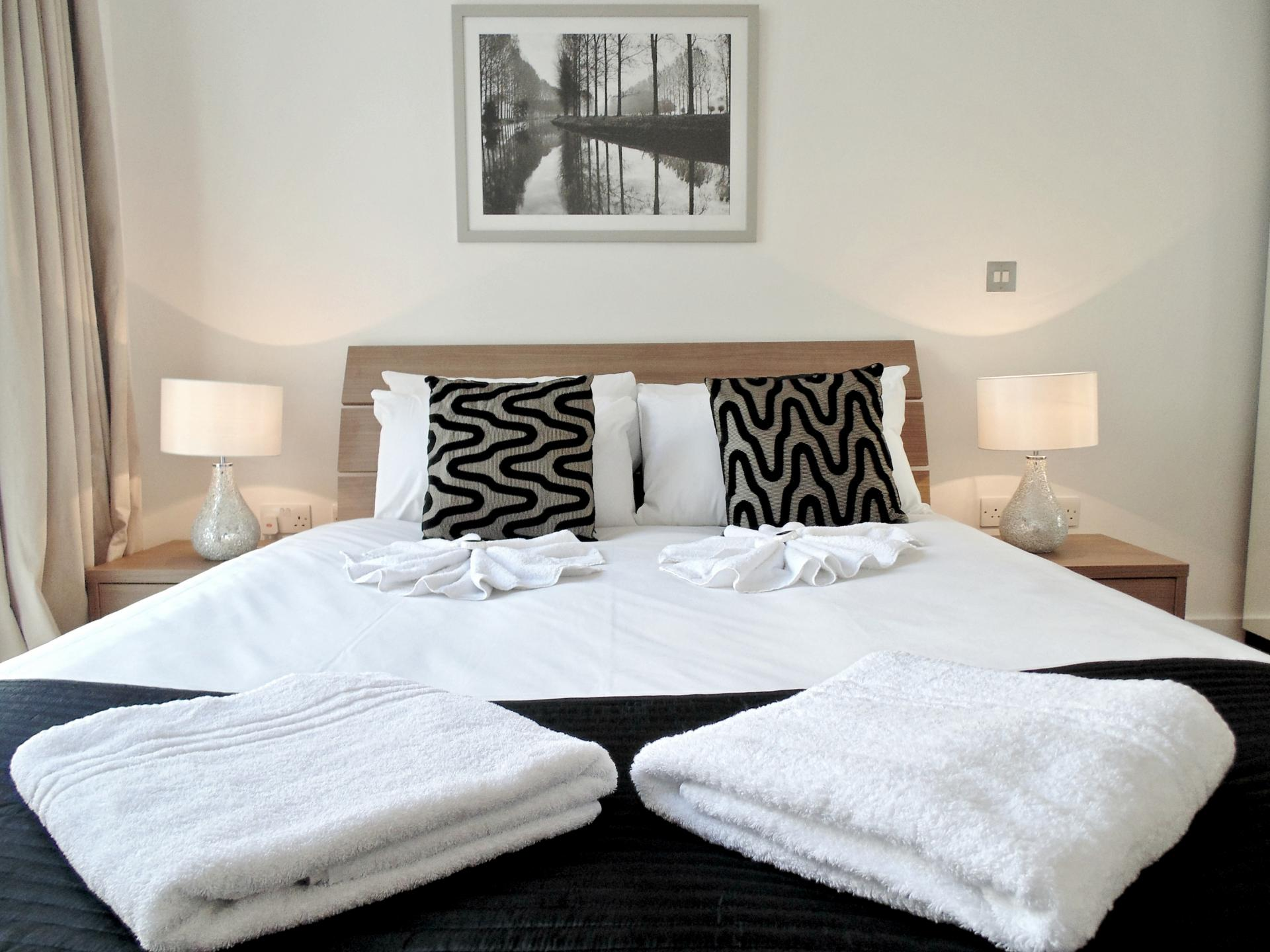 Double Bed at Still Life Tower Hill Deluxe, Whitechapel, London - Citybase Apartments