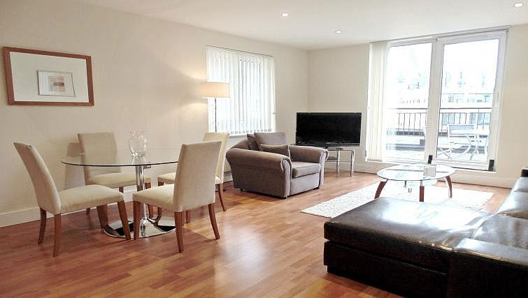 Living space at Still Life Tower Hill Executive - Citybase Apartments