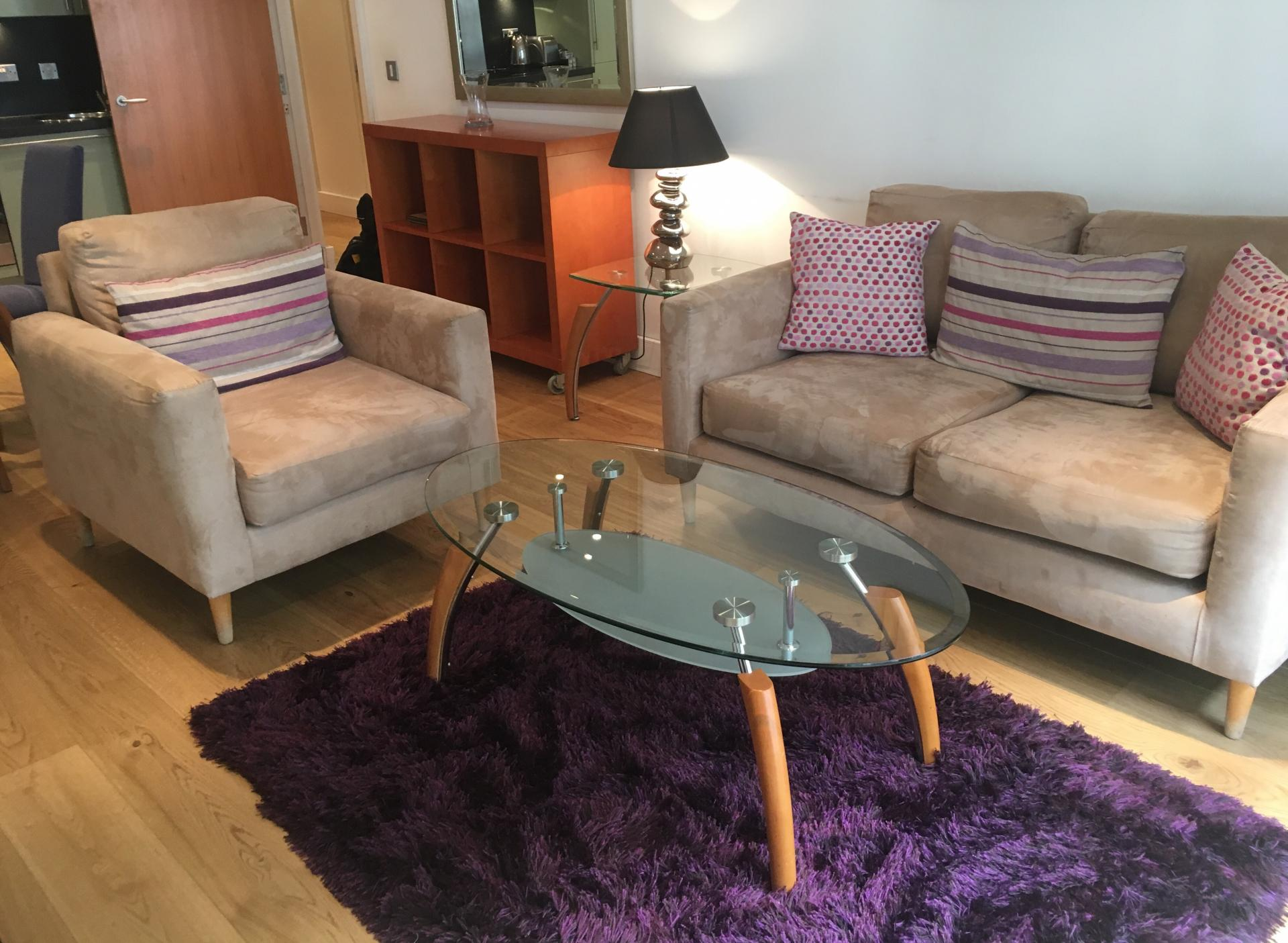 Comfortable living area at Still Life Tower Hill Executive - Citybase Apartments