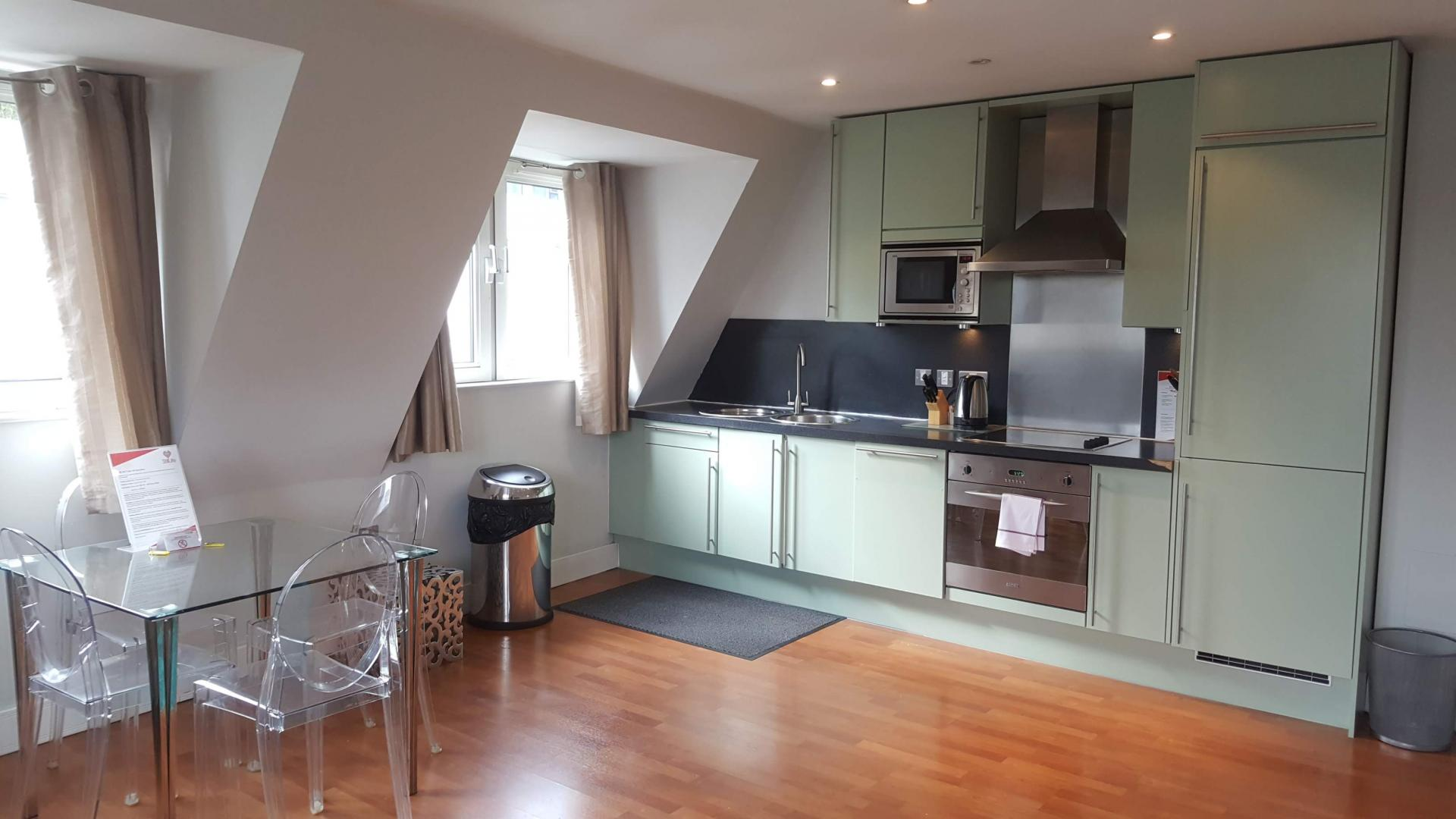 Kitchen facilities at Still Life Tower Hill Executive - Citybase Apartments