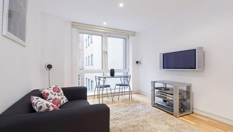 Living space at Still Life St Paul's Executive - Citybase Apartments