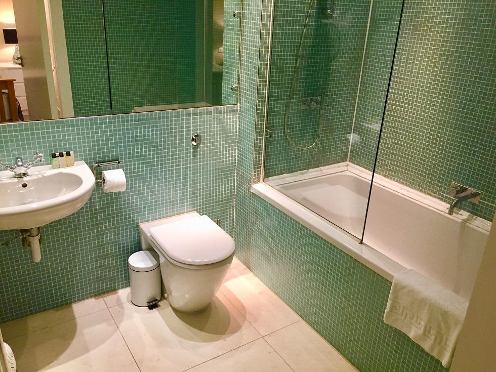 Modern bathroom at Still Life St Paul's Executive - Citybase Apartments