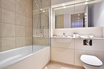 Clean bathroom at Still Life St Paul's Executive - Citybase Apartments