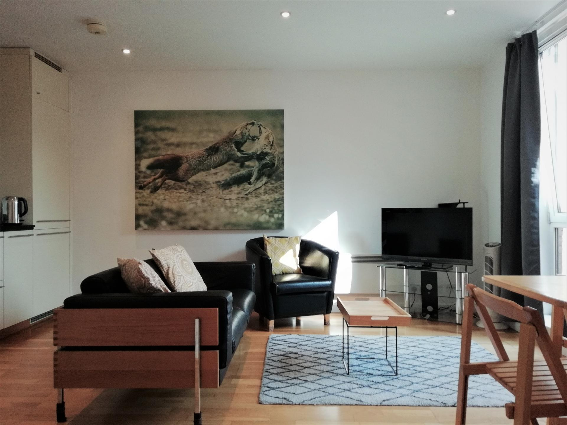 Living area at Still Life St Paul's Executive, Farringdon, London - Citybase Apartments