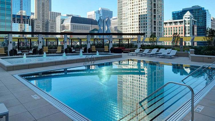 Pool at Amli River North Apartments - Citybase Apartments
