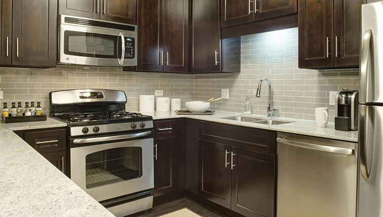 Equipped kitchen at Amli River North Apartments - Citybase Apartments