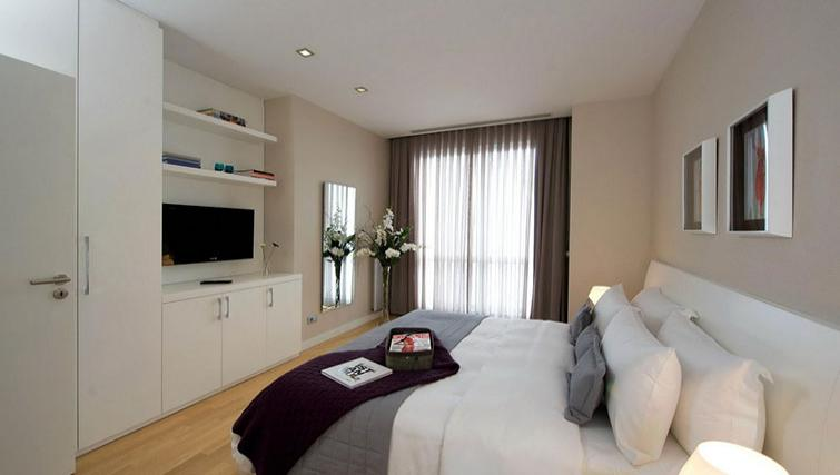 Double bedroom at Fraser Place Anthill Istanbul - Citybase Apartments