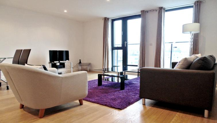 Living space at Still Life Southwark Executive - Citybase Apartments